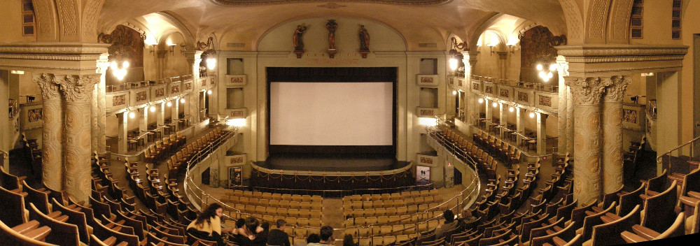 Photo of the Cinema Odeon Firenze 1, 2008, taken from from https://en.wikipedia.org/wiki/File:Cinema_odeon_firenze_1.JPG.